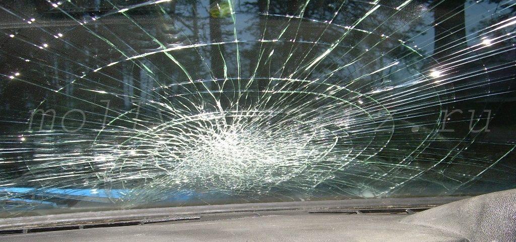 как разбивается безопасное стекло фото