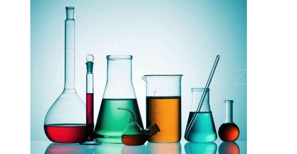 Фото разных видов колб для лабораторий