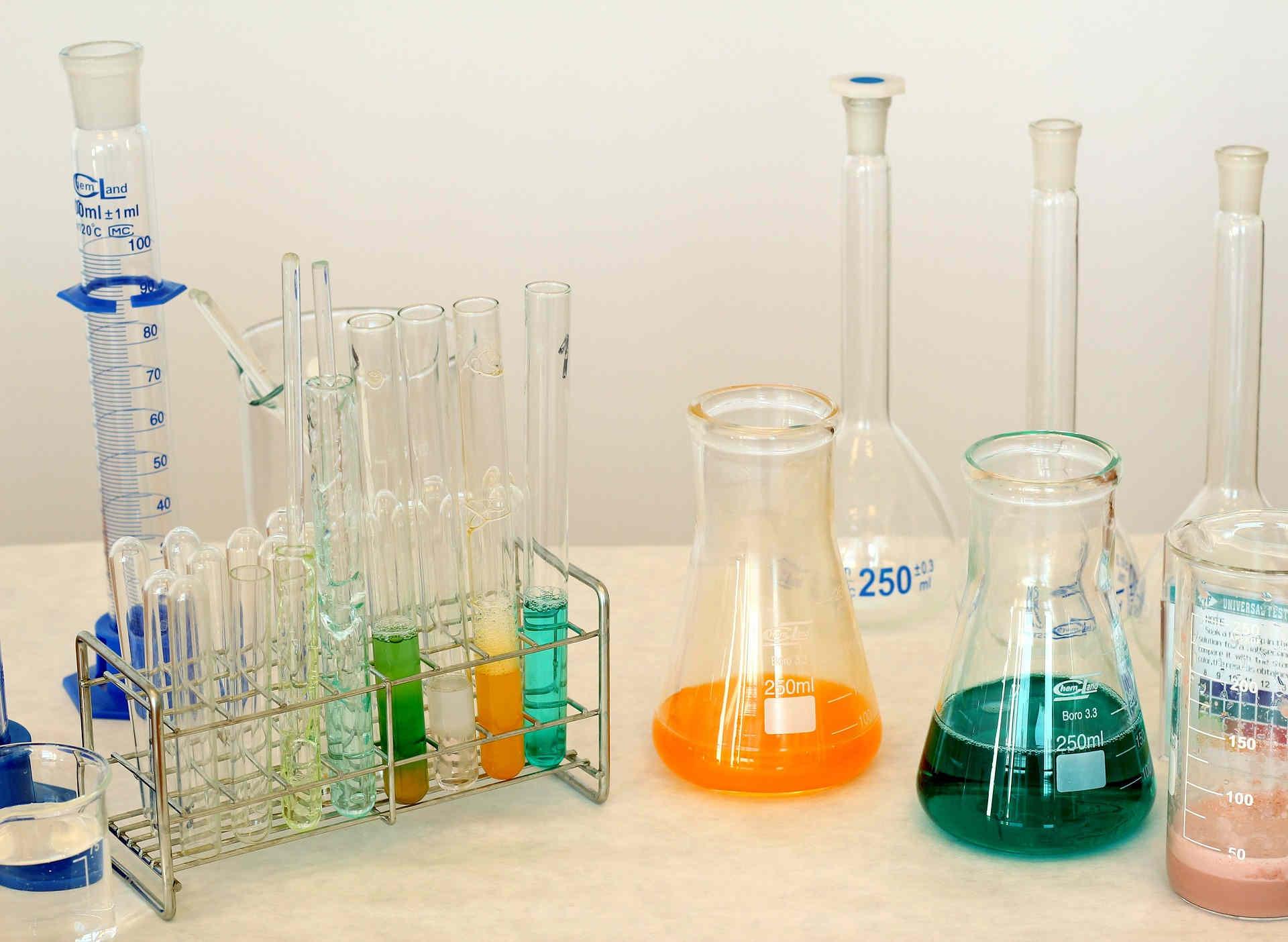Химическая посуда для лабораторий