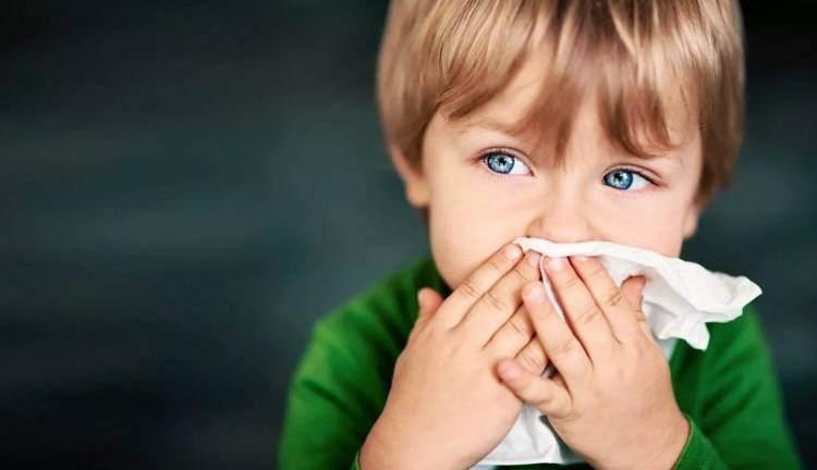 Как защитить ребенка от бактерий с помощью бактерицидной лампы